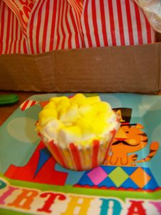 Easy Popcorn Cupcake  Use a Gluten Free cake mix to make cupcakes  Frost with white frosting and top with mini marshmallows.  Then spray with yellow colored  food spray and whola buttered popcorn cupckes