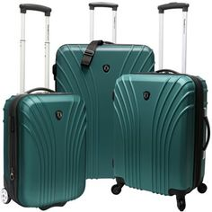 Traveler's Choice 3-Piece Hardside Ultra Lightweight Luggage Set (Includes 2 Carry-Ons) / I love the color.