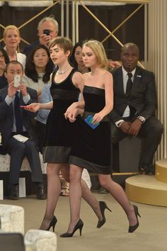 Lily Collins and Lily-Rose Depp - Chanel Fall 2015 Haute Couture Front Row - July 2015 Couture Week, Haute Couture Fashion, Chanel Couture, Lily Collins, Lily Rose Depp Chanel, Karl Lagerfeld, Metallic Jacket, Mode Chic, Celebs