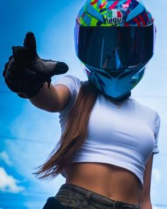 Girls on bike (motorcycle) girls biker Lady Biker, Biker Girl, Motorcycle Tattoos, Motorcycle Tips, Bike Photoshoot, Chicks On Bikes, Bike Photography, Dirt Bike Girl, Motorbike Girl