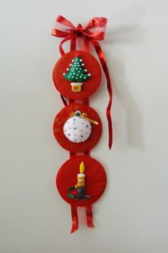 Pingente de Natal trio vermelho. http://www.elo7.com.br/pingente-de-natal-trio-vermelho/dp/5DB9AA