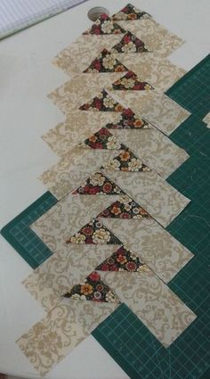 Great No Cost patchwork Quilting Ideas Quilted table runner, Rust Colored Table runner, Housewarming gift, Table topper, Dining room decor Patchwork Vol D'oie, Patchwork Patterns, Quilt Block Patterns, Pattern Blocks, Quilt Blocks, Seminole Patchwork, Patchwork Ideas, Quilt Sets, Patriotic Quilts