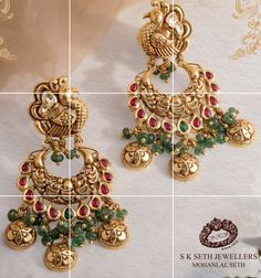 Gold Temple Jewellery, Gold Jewellery Design, Gold Jewelry, Gold Ring Designs, Gold Earrings Designs, Jewelry Boards, Jewelry Patterns, Designer Earrings, Indian Jewelry