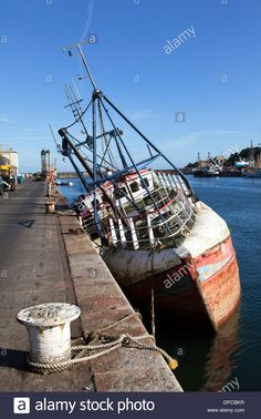 an-abandoned-fishing-boat-in-newlyn-harbour-cornwall-england-uk-DPCBKR.jpg (866×1390)