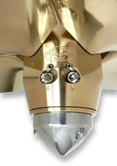Easy regulation pitch, the same propeller is suitable both for right hand rotation and left hand rotation.