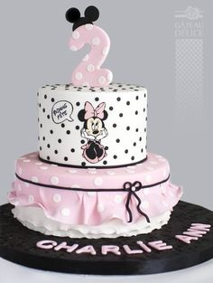 Mini Mouse Birthday Cake, Little Girl Birthday Cakes, Mini Mouse Cake, Minnie Mouse Birthday Decorations, Barbie Birthday, Minnie Birthday, Mickey And Minnie Cake, Bolo Minnie, Mickey Cakes
