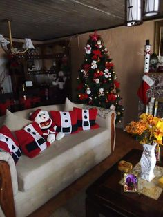 Navidad Christmas Runner, Simple Christmas, Christmas Home, Handmade Christmas, Christmas Crafts, Christmas Bathroom, Christmas Trees, Merry Christmas, Gingerbread Decorations