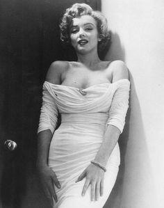 Marilyn Monroe by Philippe Halsman-1952