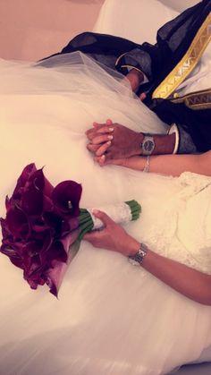 Wedding Couple Photos, Wedding Pics, Couple Pictures, Wedding Couples, Cute Couples, Creative Wedding Photography, Wedding Photography Poses, Arab Wedding, Wedding Bride