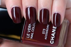 From Head To Toe: Manicure Monday: Chanel Le Vernis 573 Accessoire 5 Free Nail Polish, Chanel Nail Polish, Chanel Nails, Hot Nails, Hair And Nails, Burgundy Lips, Beauty Tips For Hair, Beauty Stuff, Nail Envy