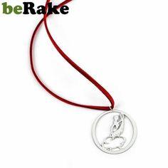beole.berake.com - Vendo Gargantilla de 35 mm de diámetro en latón de 0,8 mm, con baño de plata mate y lacado. cordón de cuero rojo y cierre metálico. colecció...
