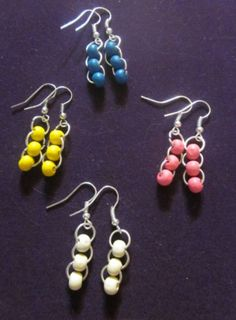 Are you keen on handmade DIY jewelry? Have you thought about figuring out how to produce these designs yourself? Learn the various techniques needed to style and design rings, necklaces and much more for yourself and to share if you prefer. Bead Jewellery, Wire Jewelry, Jewelry Crafts, Beaded Jewelry, Jewelery, Diy Earrings Easy, Bead Earrings, Earrings Handmade, Homemade Jewelry