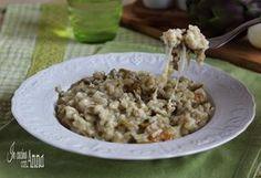Il risotto ai carciofi filante è un primo piatto semplice da preparare e molto,ma molto saporito,perfetto per tutta la famiglia...