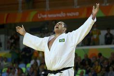 """Após bronze, Baby agradece torcida e diz: """"Medalha em casa é muito bom!"""" #sportv"""