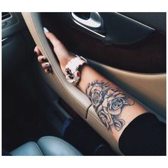 1508876a8ac36 Forearm Florals - Stunning Floral Tattoos That Are Beautifully Soft And  Feminine - Livingly