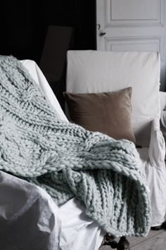 ceannis Chunky Knitted Throw, how lovely in the autumn nights?