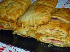 lixoudis(λιχουδης): lixoudis.gr//ΖΑΜΠΟΝΟΤΥΡΟΠΙΤΑ ΕΥΚΟΛΗ ΣΕ ΦΥΛΛΟ ΣΦΟΛΙΑΤΑΣ Cookbook Recipes, Cooking Recipes, Cypriot Food, Food And Drink, Cheese, Savoury Pies, Chicken, Meat, Breakfast