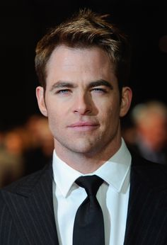 Chris Pine at the Premiere for 'This Means War'
