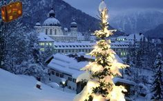 Ettal Abbey, Bavaria    http://www.travelwallpaper.net/p/europe/germany/page-1.html    #travel #ettalabbey #germany