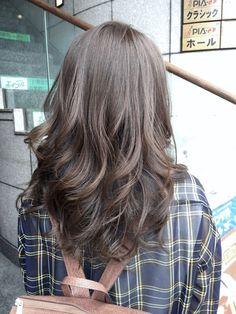 この夏オススメのモノトーンアッシュで透明感のある柔らかい髪へ kikikobe 新着ブログです