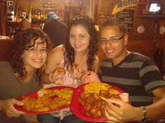 "Here we are showing the food we ate that night ""Fritoliando en el Sureste"""