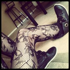 yeah this is adorable. Lace Tights, Tights And Boots, Shorts With Tights, Tight Leggings, Fight Night, Misfits, Jewlery, Goth, Cute Outfits