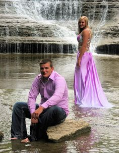 Couples Senior Picture / Couples / Love / Young Love / Young Couples / Outdoor / Waterfall
