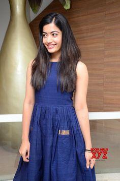 Bollywood Bikini, Bollywood Actress Hot, Bollywood Saree, South Indian Actress Photo, Indian Actress Photos, Casual Frocks, Saree Backless, Indian Girls Images, Beautiful Girl Photo