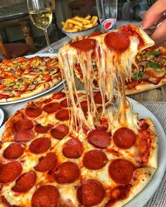 Image uploaded by i'm-yours-truly 🥀. Find images and videos about food, pizza and foodporn on We Heart It - the app to get lost in what you love. Burritos, Four A Pizza, Yummy Food, Tasty, Eat Lunch, London Food, Food Goals, Food Cravings, Junk Food