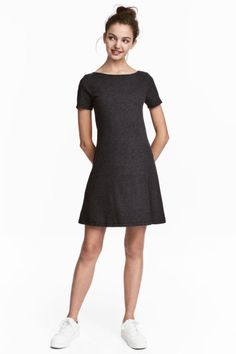 H and M - Ribbed Jersey Dress in dark grey Workwear Fashion, H&m Fashion, Fashion Online, Dresses For Sale, Dresses For Work, Lady Grey, Flare Skirt, Work Wear, Short Dresses