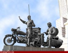 DON QUICHOTTE AND PANZA SANCHO......ON MOTORBIKES.....BY FREAKINGNEWS......