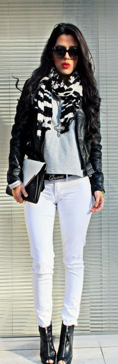 Who says you can't wear white all year round?? She looks fab!!!