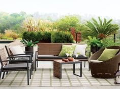 Designed for the great outdoors, our stylish Rocca lounge collection is crafted of weather-resistant polystyrene that translates the beautiful grain and warm tones of natural Brazilian ipe wood.