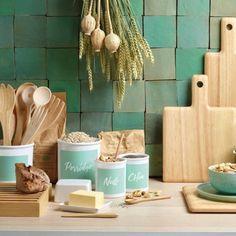 Das ASA Holzlöffel 2er Set wood natur macht auf jeder Tafel einen natürlichen und wertigen Eindruck. Das Besteck ist aus natürlichem, hellem Holz gefertigt und liegt gut in der Hand. Es passt hervorragend zu weiteren Teilen aus der wood dark Serie.Die hochwertigen Holzartikel der Serie wood von ASA sind aufgrund ihrer Beschaffenheit, Maserung und Farbunterschiede einzigartig. Edle, einzigartige, passende Geschenkidee für Hobbyköche. Egg Cups, Unique