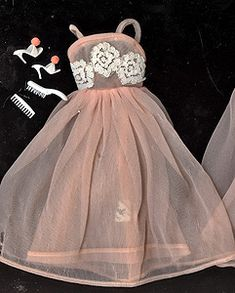 """""""Dreamland"""" Night Gown Outfit #1669 (1966)"""