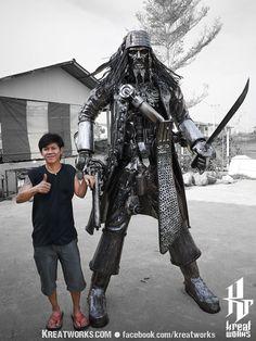 Steampunk Recycled Metal Pirate made-to-order image 4 Recycled Metal Art, Scrap Metal Art, Cardboard Sculpture, Sculpture Art, Armadura Cosplay, Arte Peculiar, Cyberpunk, Robot Animal, Steampunk Pirate