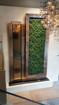 Westin Houston Hotel Houston, TX Mirror water wall along a plant wall for Westin Hotel Indoor Wall Fountains, Indoor Fountain, Water Fountains, Mirror Decor Living Room, Green Wall Decor, Plant Wall Decor, Bedroom Wall Designs, Fountain Design, Hotel Room Design
