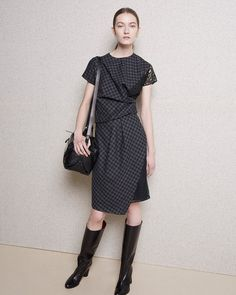 http://www.fashionsnap.com/collection/carven/woman/2015-16aw-pre/gallery/index6.php