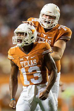 Texas Longhorns Football, Nfl Football, College Football, Football Helmets, Hook Em Horns, University Of Texas, Fun Time, Colleges, Man Cave