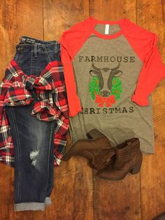 Farmhouse Christmas Graphic Tee by SquirlyGirlzThreads on Etsy