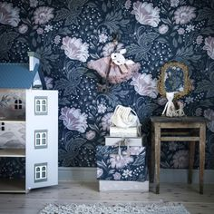 Kidsroom Inspo Kids room inspo with wallpaper Ava darkblue – Sandberg Wallpaper The post Kidsroom Inspo appeared first on Woman Casual - Kids and parenting Cool Kids Rooms, Room Kids, Nursery Wallpaper, Childrens Beds, Inspirational Wallpapers, Rooms Home Decor, Kidsroom, Girl Nursery, Scandinavian Design