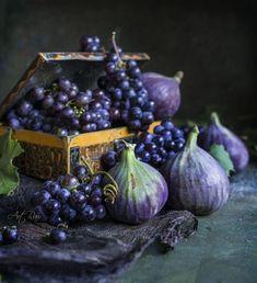 Still Life Photos, Still Life Art, Fruit And Veg, Fruits And Vegetables, Photo Fruit, Purple Fruit, Fruit Photography, Fruit Art, Unique Recipes