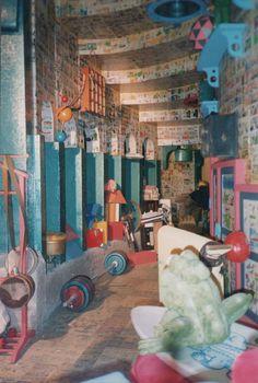 Castelo Rá Tim Bum - O quarto do Nino debaixo da escada - Cenografia Lu Grecco