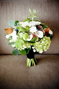 bridal bouquet by Willow & Bloom - photos by Laurel McConnell via junebug weddings