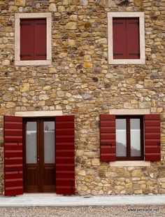 persiana in legno dogato finestre