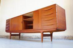 Vendu - Enfilade Johannes Andersen design scandinave danois danemark buffet designer années 50 60 teck SACOM