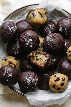 These Salted Dark Chocolate Cookie Dough Bites are the perfect any-time-of-day no-bake treat! The dough is made with almond flour, melted butter for richness, cashew butter, brown sugar for that caramel cookie flavor, almond milk, vanilla, salt, and mini chocolate chips! The best part: they're coated in melted dark chocolate, and sprinkled with flaky salt for the ultimate sweet & salty dessert! #cookiedough #bites #glutenfree #dessert Dark Chocolate Cookies, Chocolate Cookie Dough, Chocolate Drip, Caramel Cookies, Mini Chocolate Chips, Dark Chocolate Recipes, Egg Free Cookies, No Bake Cookies, Cookies Et Biscuits