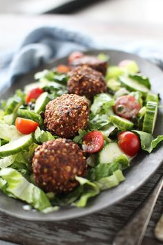 Falafel Salad | The Flourishing Foodie - We make falafel all the time at home out of the box. I never thought of putting it into a salad until now!