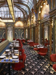 Looking for where to dine and wine on your next trip to Paris? We've gathered a list of beautiful restaurants in Paris to enjoy. Restaurants In Paris, Art Nouveau Interior, Design Art Nouveau, Art Nouveau Furniture, Art Nouveau Architecture, Restaurant Interior Design, Top Interior Designers, Luxury Restaurant, Commercial Design
