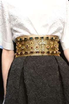 DOLCE & GABBANA.  Maravilloso cinturón